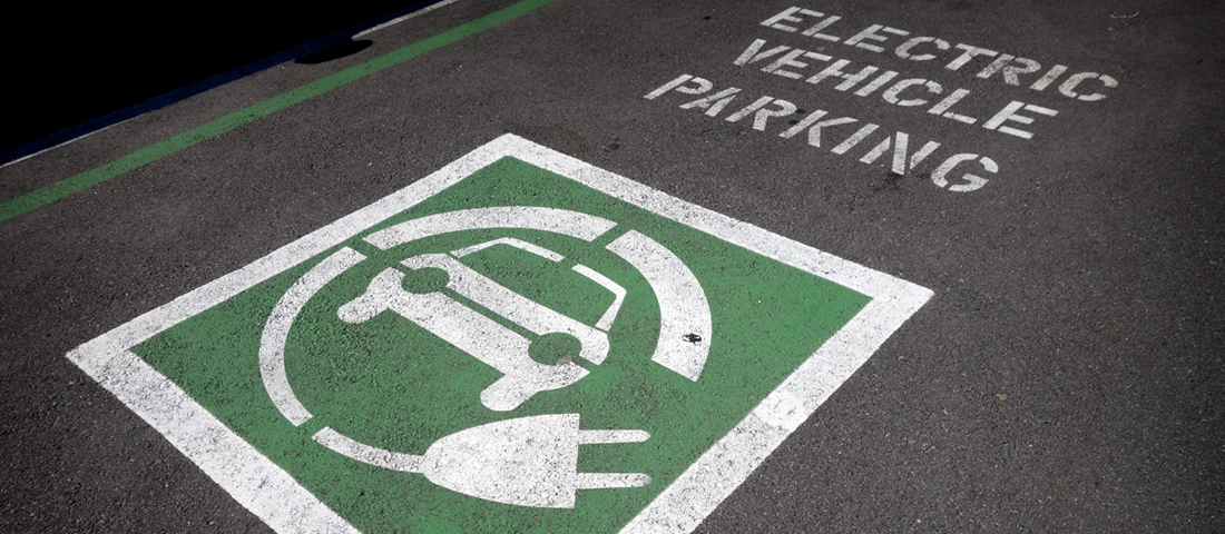 Parking spot for e-vehicle